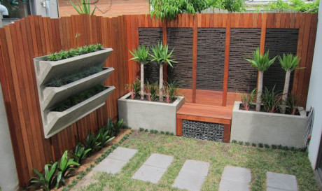 DIY Courtyard Makeover with LICOM76 ™ VWall and KUBE ...